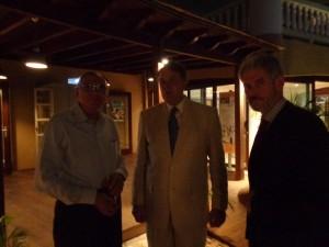 5 j,gastheer Huib van olden met vz. Ruud Luchtenberg en onze erevoorz. prof. Jaime Saleh,4-11